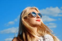 La importancia de unas gafas de sol adecuadas-optica-azpilicueta-pamplona